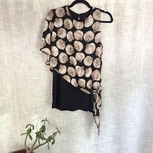 Karen Kane Shell Print Side Tie Top
